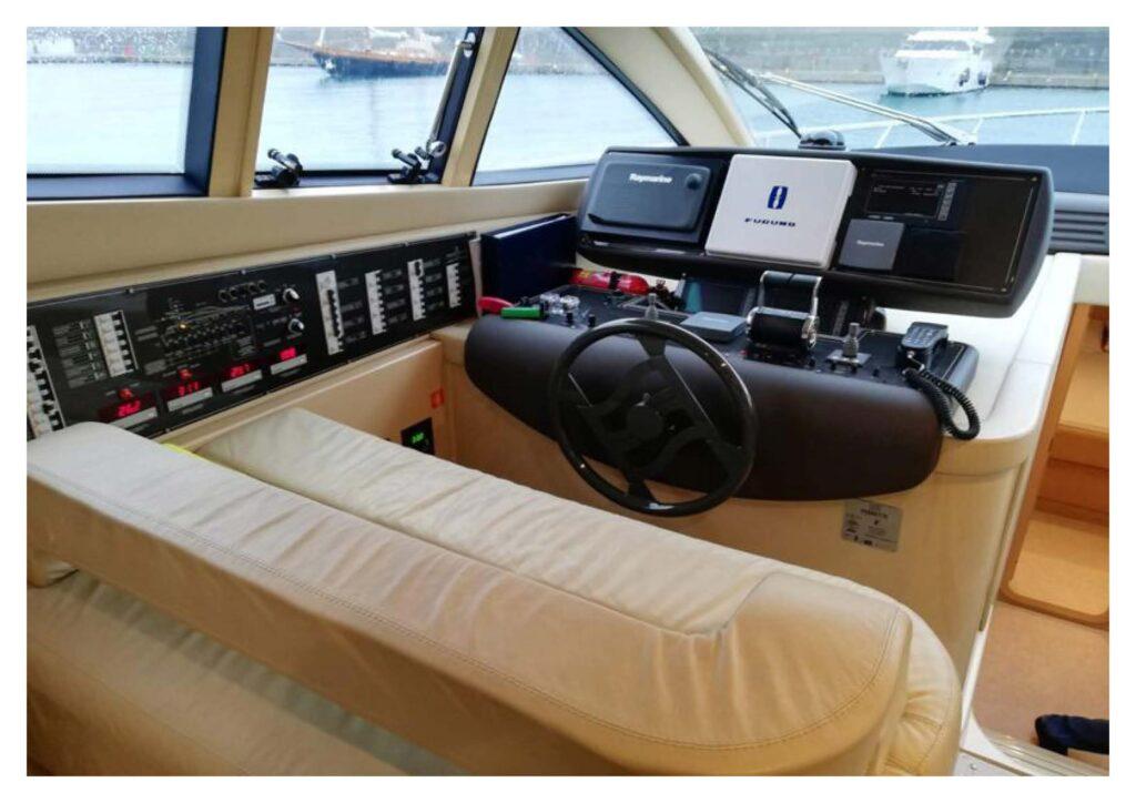 Ferretti 550 2004 yacht sale_Sayfa_09
